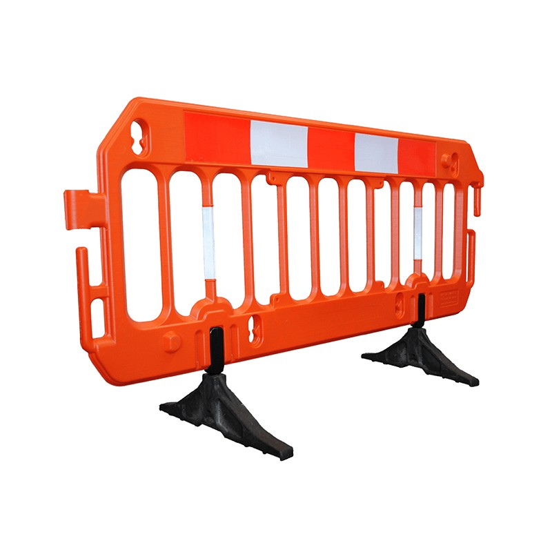 The Vision Barrier can connect to either itself or other existing barriers using the various attachment methods on offer | We ar